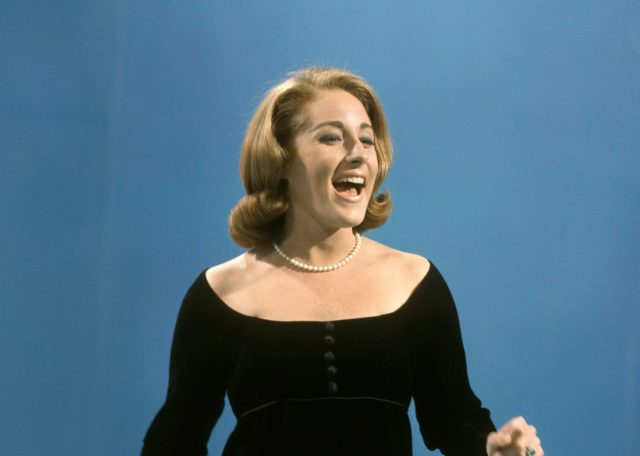 """EML's Favorite Songs – LESLEY GORE: """"You Don't Own Me"""""""