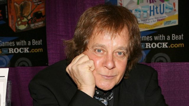 EDDIE MONEY AT TOY FAIR TO PROMOTE THE ALEKEN GAMES, NEW YORK, AMERICA - 14 FEB 2006